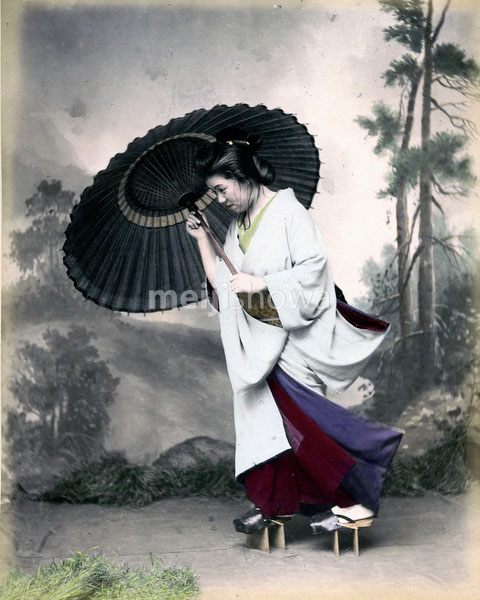 80303-0091-PP - Woman with Parasol