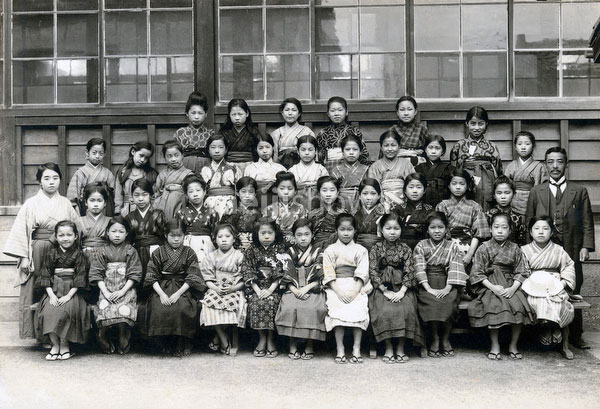 70507-0026 - Elementary School Girls