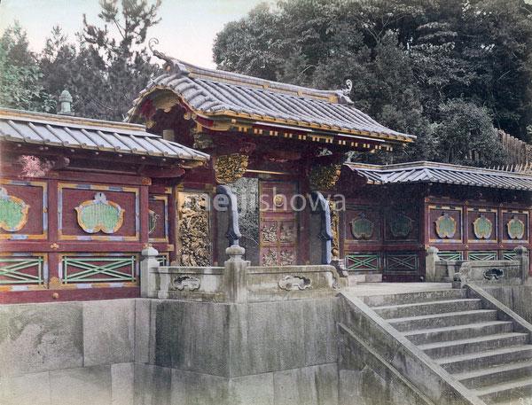 70602-0004 - Zojoji Gate