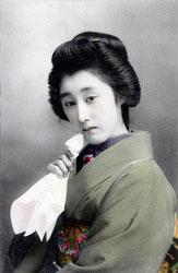 70124-0011 - Woman in Kimono