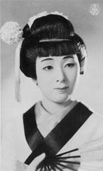 70124-0027 - Takarazuka Actress