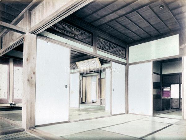 80129-0021 - Japanese Interior