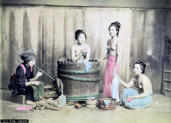 80302-0011-PP - Bathing Women