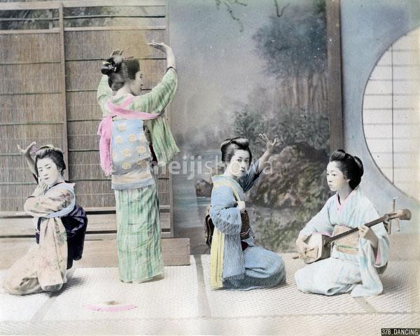 80302-0112-PP - Dancing Geisha