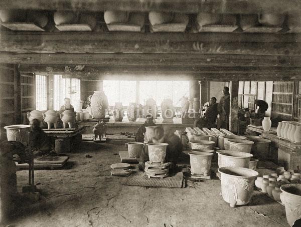 100908-0012 - Pottery Workshop