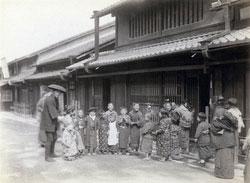 100908-0052 - Children on the Street