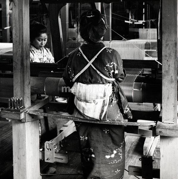 110613-0037 - Weaving Silk