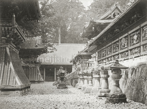 110831-0001 - Yomeimon Gate