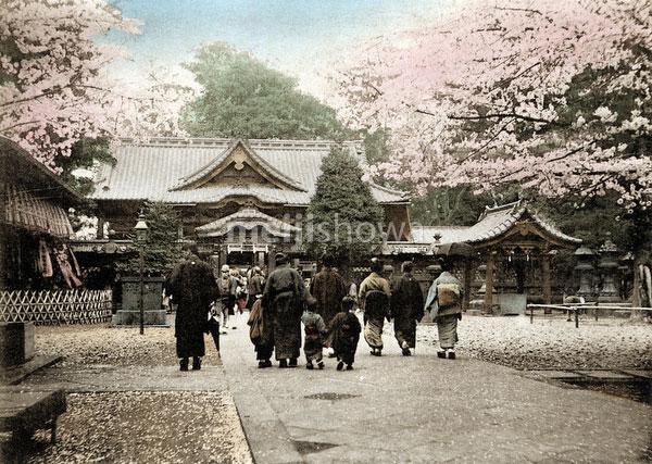 120411-0023 - Ueno Tosho-gu Shrine
