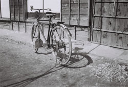 120423-0009 - Bicycle
