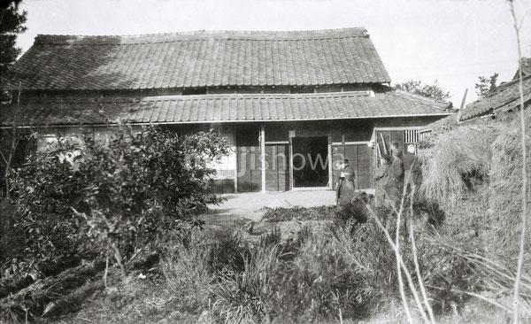 120423-0014 - Rural Building
