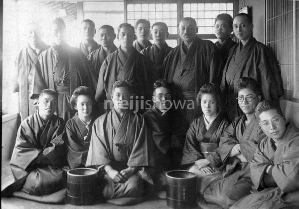 130129-0029 - People in Kimono
