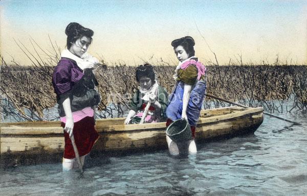 130601-0031 - Women Fishing