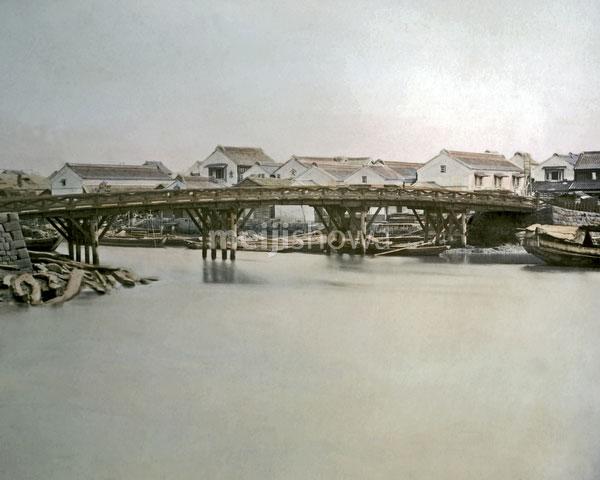 120207-0064-PP - Bridge and Warehouses