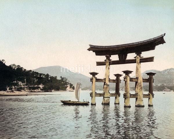 120207-0114-PP - Itsukushima Jinja