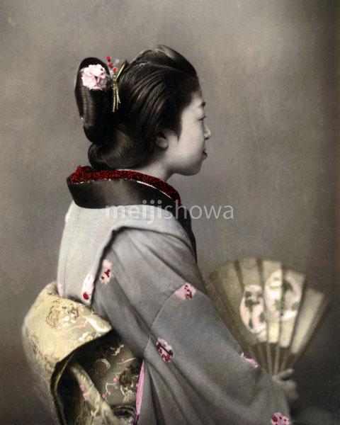 120207-0123-PP - Woman in Kimono