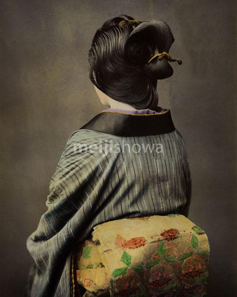 120207-0137-PP - Woman in Kimono