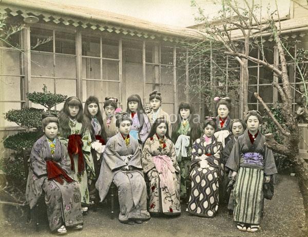 140916-0017-PP - Sakuraya Prostitutes