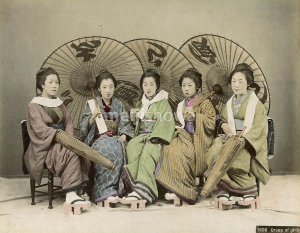 140916-0126-PP - Women with Parasols
