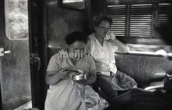 160101-0029-BR - Women in Train