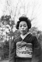 160202-0019 - Woman in Kimono