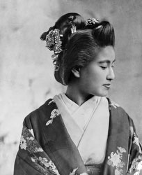 140303-0022 - Woman in Kimono