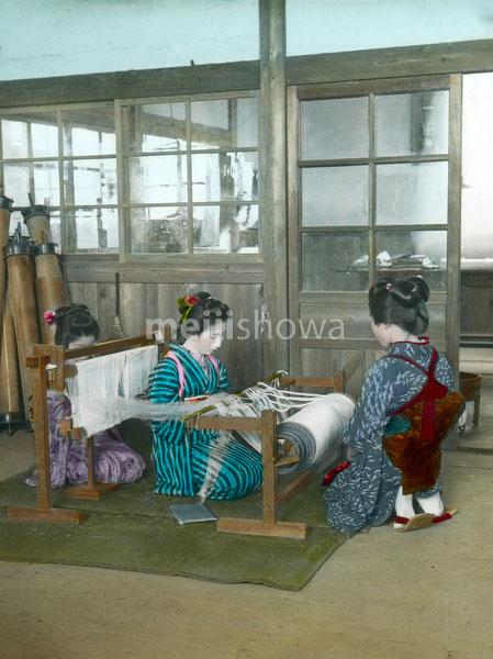 160201-0005 - Weaving Silk