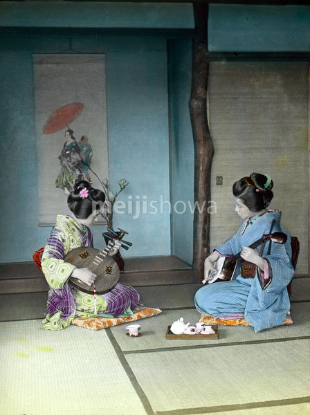160201-0010 - Playing Music