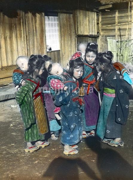 160201-0034 - Komori Nursemaids
