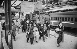 160202-0041 - Tokyo Railway Station