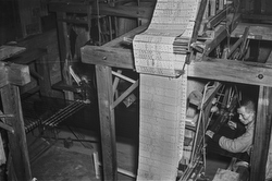 160203-0001 - Automated Weaving Loom