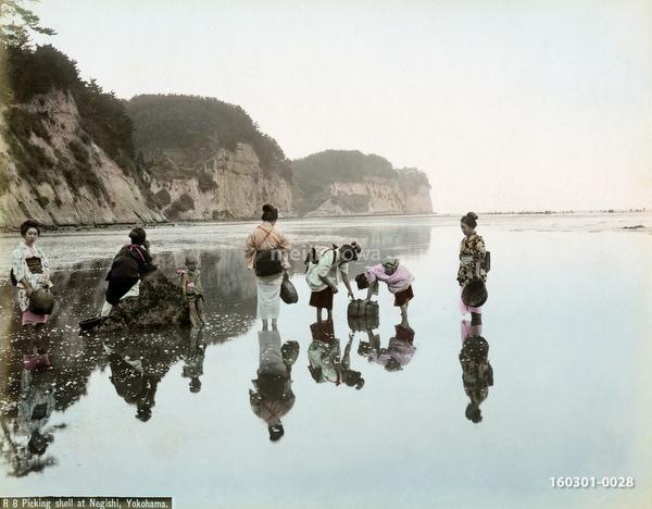160301-0028 - Women Fishing