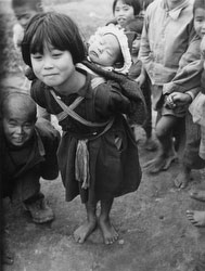160304-0041 - Okinawan Girl Carrying Sister