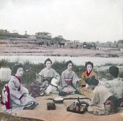160307-0022 - Geisha and Maiko
