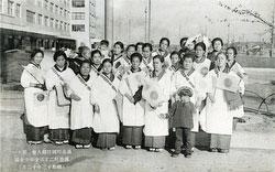 160309-0006 - Patriotic Japanes Women