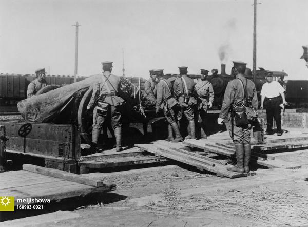 160903-0021 - Soldiers Unloading Guns