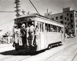 160903-0022 - Crowded Tokyo Streetcar