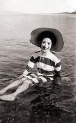 161217-0001 - Woman in Bathing Suit