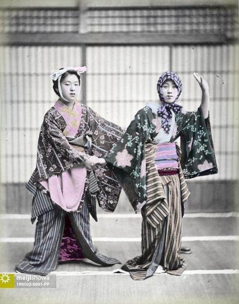 190102-0001-PP - Women Dancing