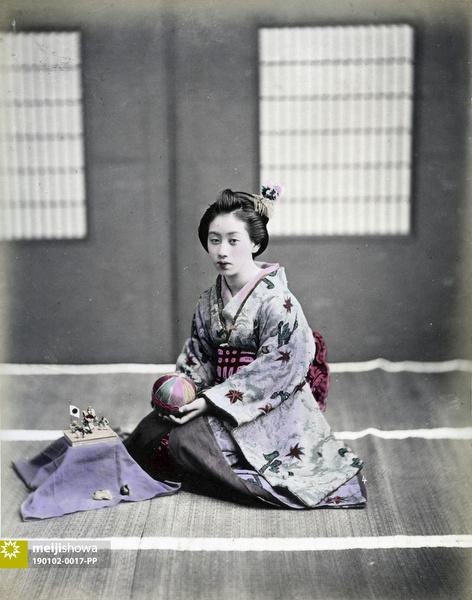 190102-0017-PP - Woman in Kimono